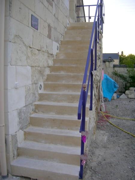 Chainages et parements d 39 encadrements en pierre for Escalier pierre reconstituee